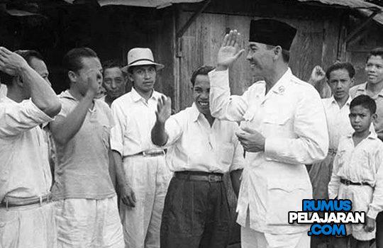 Sejarah Revolusi Indonesia Latar Belakang Teks Proklamasi Kemerdekaan Kronologi Makalah Dampak
